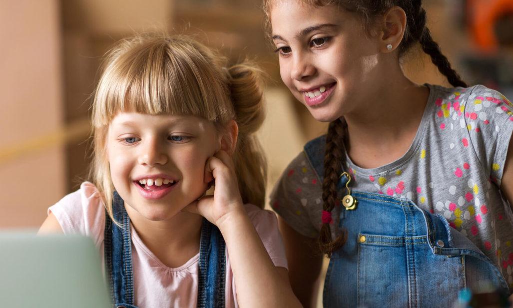Actividades gratuitas de programación para niños y adolescentes